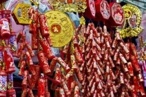 Traditionelle, chinesische Feuerwerkskörper: Schön anzusehen und unglaublich laut.