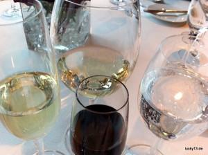 """Verhängnisvoll: Viele Brunchbuffets kommen mit """"Free-Flow"""" of Wine and Champaign, was mitunter dazu führt dass der Sonntag gleich nach dem Brunch auf der Couch oder wieder im Bett endet."""